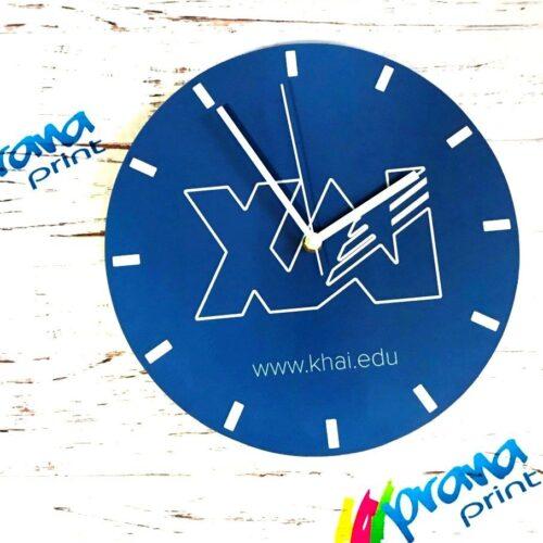 Сувенирные часы для института